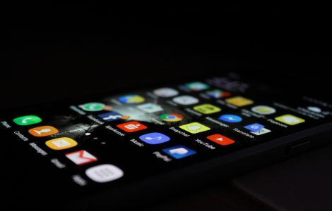 Mobile phone's screen with apps